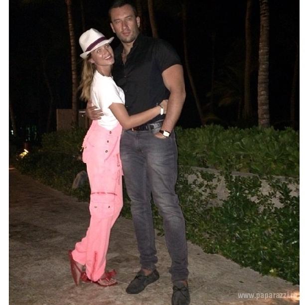 Ксения Бородина призналась, что влюбилась в Доминикане, но все-таки поздравила Михаила Терехина с днем рождения