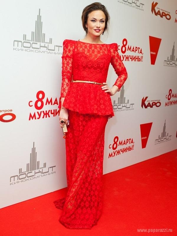 Мария Берсенева пришла на премьеру фильма с импозантным кавалером