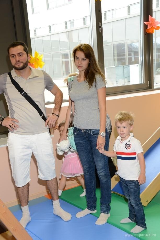 """После расставания с женой, на Иракли """"повисла"""" Юля Ковальчук, а он нашел утешение в компании беременной Ольги Маковецкой"""