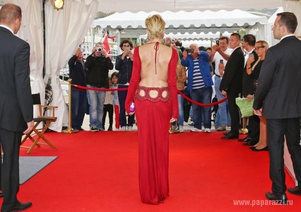 Именно в этом платье шерон стоун