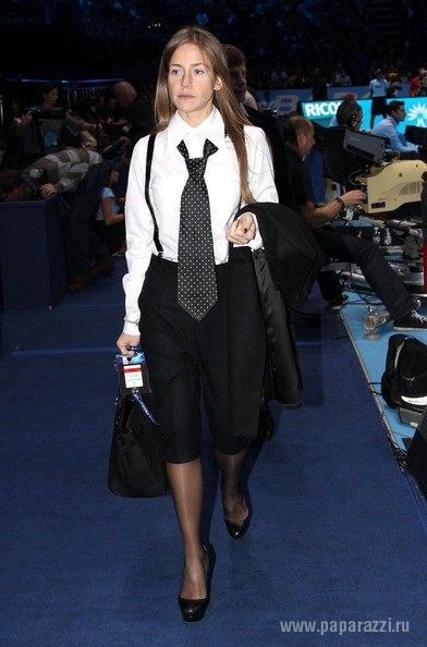 Юлия Барановская отказалась от ярких цветов в пользу черно-белых нарядов