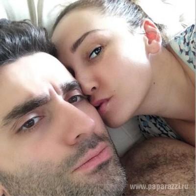 Анфиса Чехова показала фото в постели с мужем