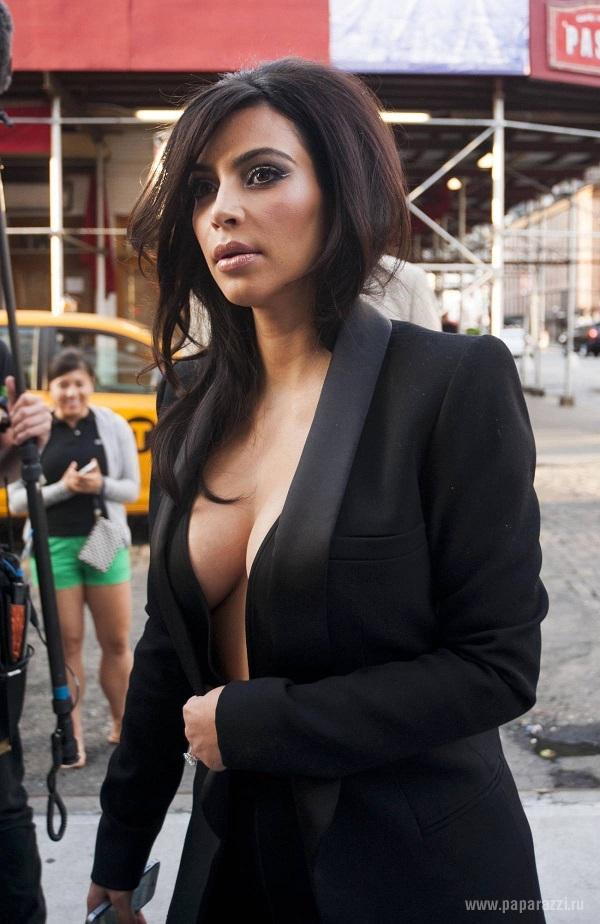 Хакеры выложили новую фотографию обнаженной Ким Кардашян из личного архива