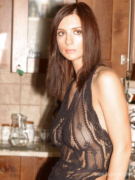 Екатерина Стриженова решила не рисковать и пришла вся в черном, а Александр сильно похудел