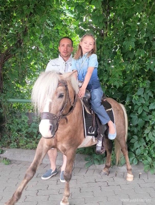 Певец Данко дал откровенное интервью о своей дочке с диагнозом ДЦП