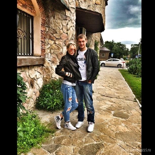 Александр Задойнов вернул Элину Камирен на проект Дом 2