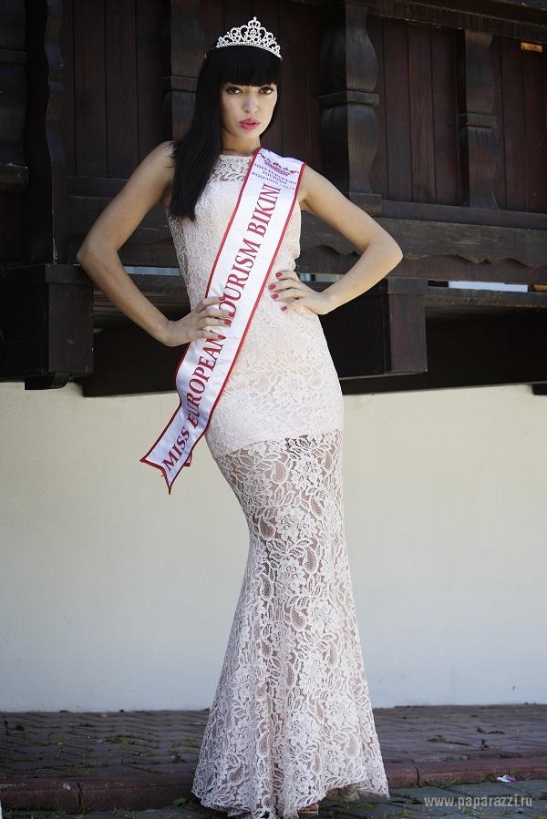 Мисс Бикини 2014 Карина Никитина принесла удовольствие читателям журнала FHM