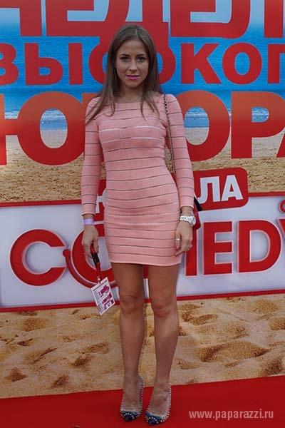 golaya-vedushaya-muzhskoe-zhenskoe