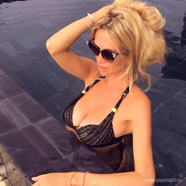 Виктория Лопырева укатила на очередной законный отдых