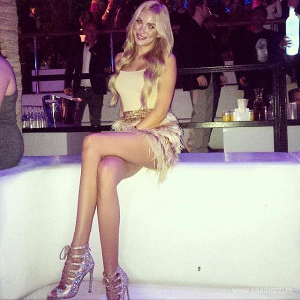 Русская девушка на вечеринке фото 406-926