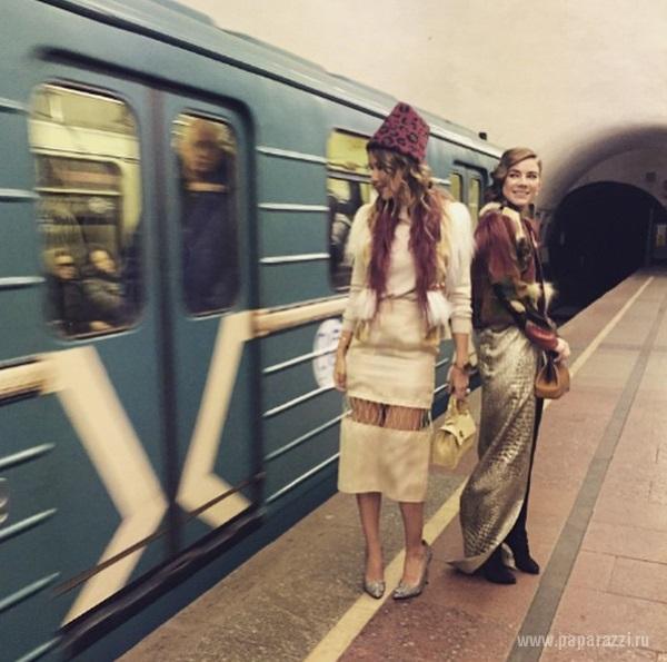 сучка в метро