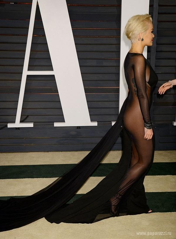 Миранда Керр пришла на вечеринку Vanity Fair в платье с максимально открытой спиной