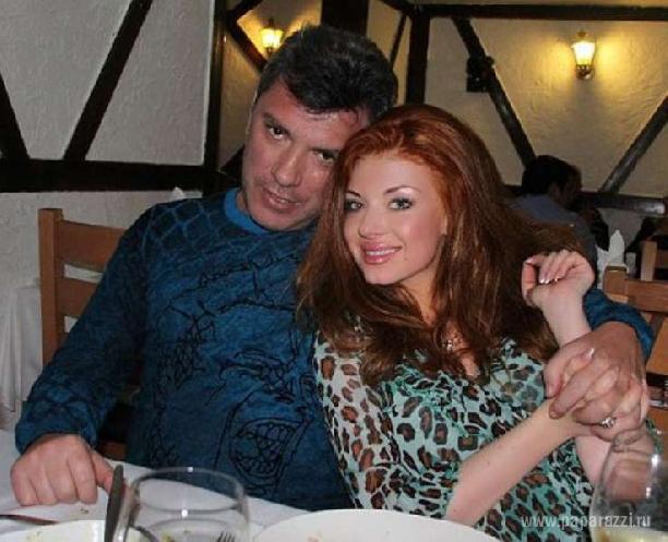 Немцов параллельно встречался с «Баунти» и «кавказской кошечкой»