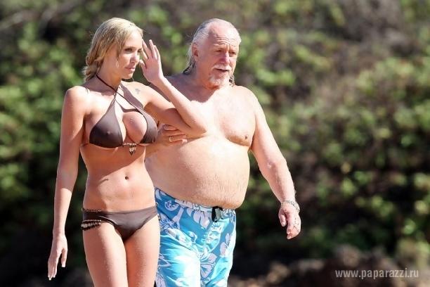 Онлайн старик и большие сиськи гуд!!!
