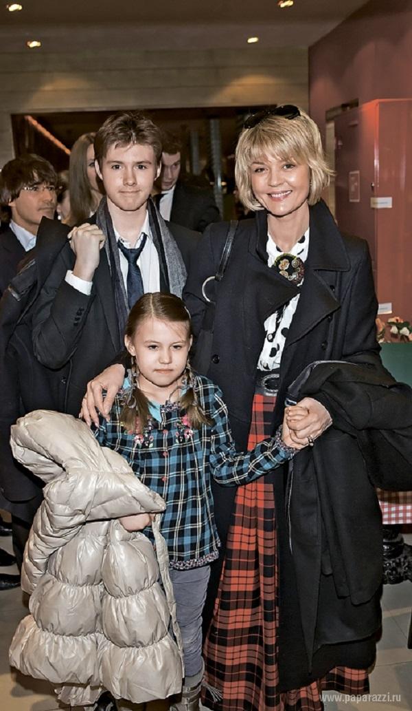 Юлия меньшова семья дети фото