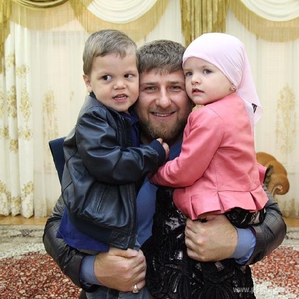 Картинки семья кадырова