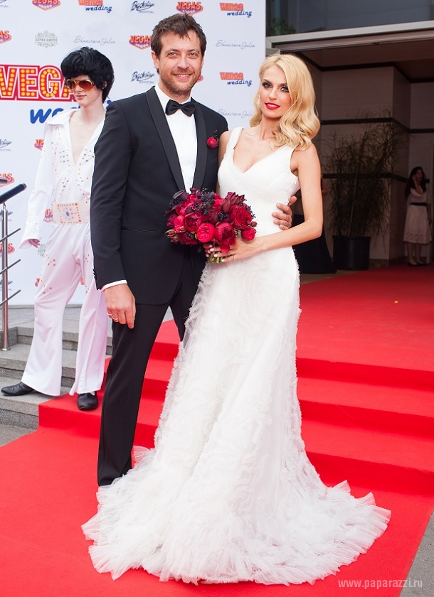 Саша Савельева и Кирилл Сафонов отпраздновали юбилей свадьбы
