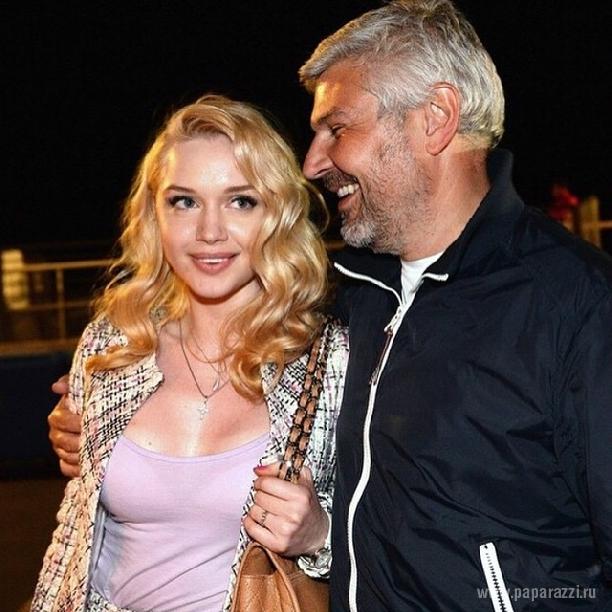 Юлия Саркисова подтвердила роман своего мужа Николая с блондинкой Ольгой Данка и рассказала шокирующие детали их прошлой совместной жизни