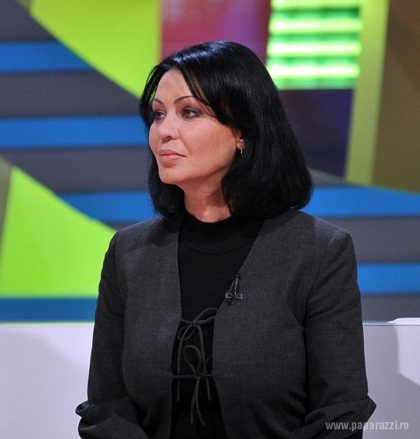 Поклонники Натальи Лагода пытаются достучаться до ее сына Дмитрия и раскрыть причину смерти певицы