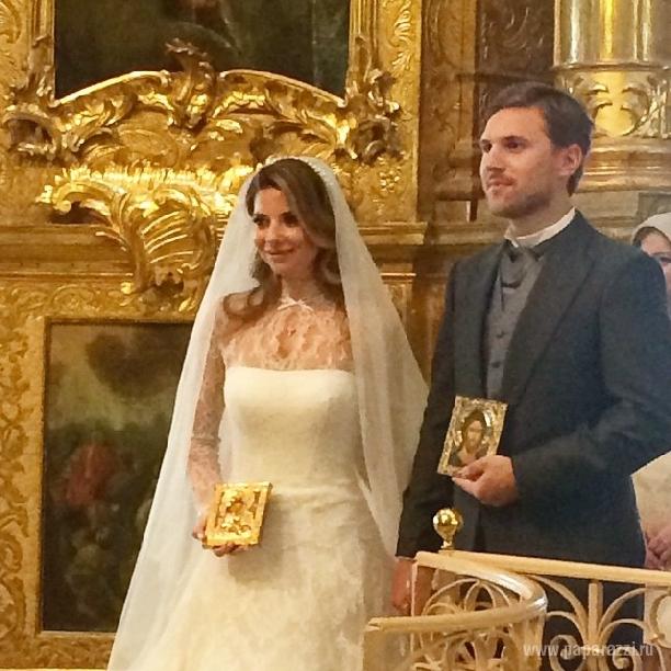 Ольга Орлова показала фотографию с венчания Галины Юдашкиной и Петра Максакова