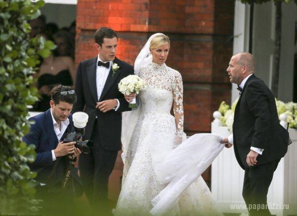 Видео засветила трусы на свадьбе фото 250-993