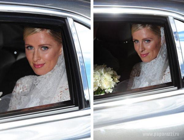 Видео засветила трусы на свадьбе фото 250-198