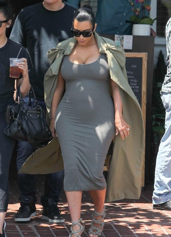 Беременная Ким Кардашян отправилась в салон красоты