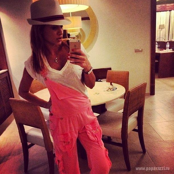 Ксения Бородина ходит по Турции без нижнего белья