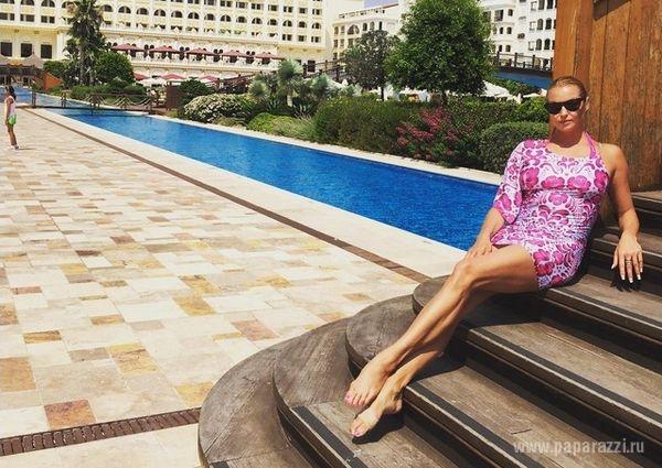 Анастасия Волочкова променяла карьеру актрисы на путевку в Турцию