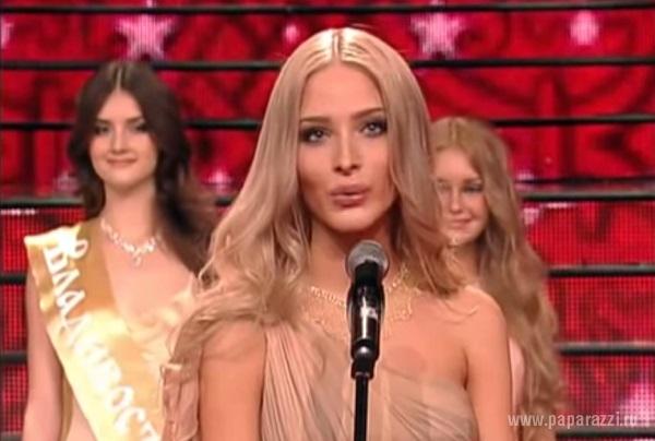 Видео «Алена Шишкова отвечает на вопрос» или «две минуты позора» набрал уже больше миллиона просмотров