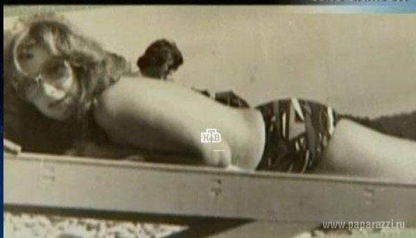 В сети появилась странная фотография Аллы Пугачевой в купальнике в сомнительной компании
