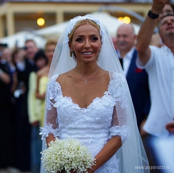 Фото и видео со свадьбы Дмитрия Пескова и Татьяны Навки: Поцелуй и танец молодоженов, а так же поздравления от их дочки Нади