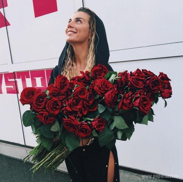 Анна Седокова порадовала поклонников откровенным пляжным снимком