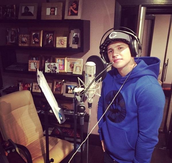 Бывший участник шоу Дом 2 Олег Майами прошел этап слепых прослушиваний в проекте Голос 4
