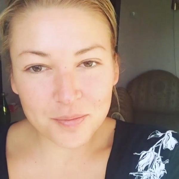 Ирина Дубцова рассказала о драке в аэропорту и о травме