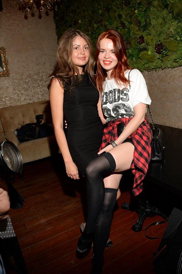 В российском шоу-бизнесе появилась еще одна лесбийская пара