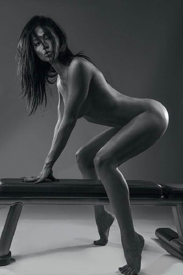 смотреть фото голой насти самбурской девушки думают