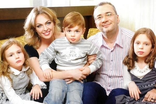 Бывшая супруга Константина Меладзе высказалась оего браке сБрежневой