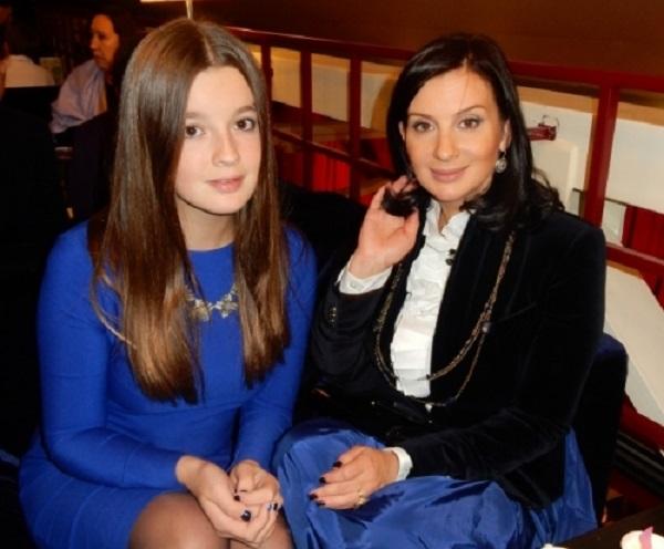 Младшая 14-летная дочка Екатерины и Александра Стриженовых собралась замуж