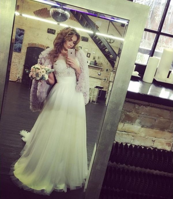 Алена Водонаева заговорила о свадьбе