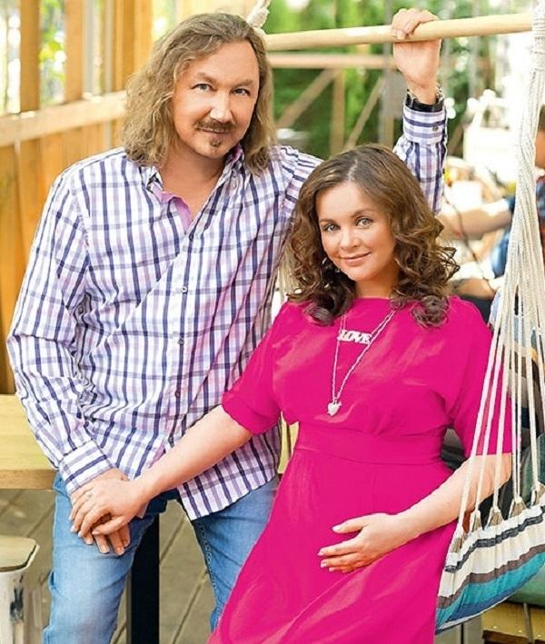 Юрий Николаев и Юлия Проскурякова показали свою новорожденную дочь