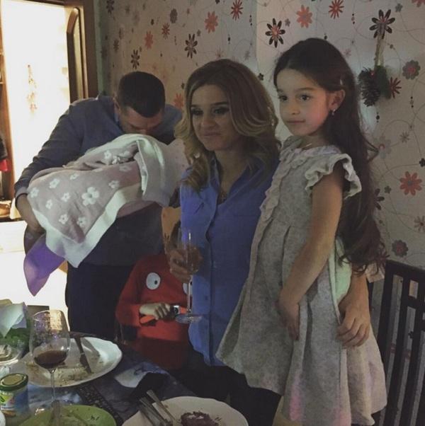 Ксения Бородина и Курбан Омаров опубликовали фото младшей дочери