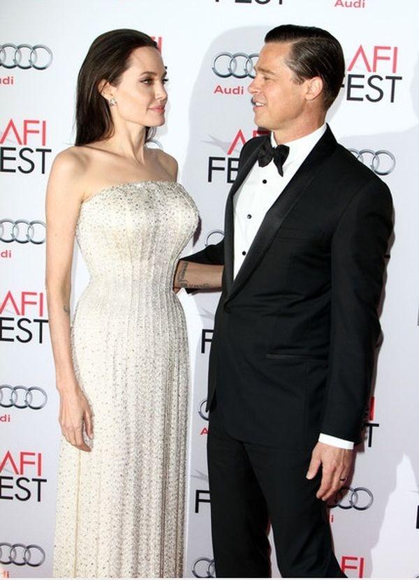 Анджелина Джоли и Брэд Питт начали обсуждать условия развода