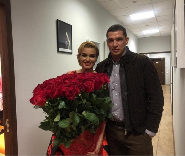 Ксения Бородина похвасталась огромным подарком от мужа