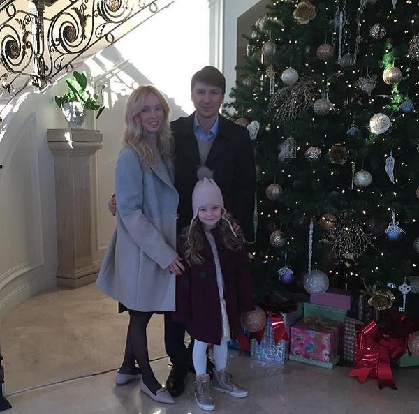 Алексей Ягудин и Татьяна Тотьмянина впервые показали лицо младшей дочери