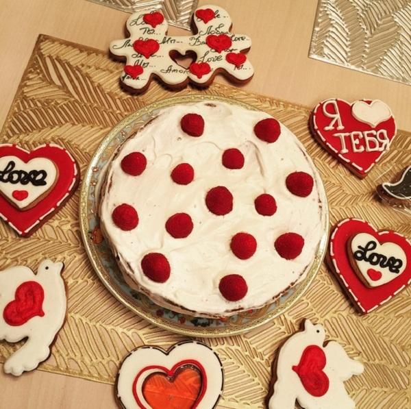 Лера Кудрявцева похвасталась шикарным подарком от мужа на день Святого Валентина