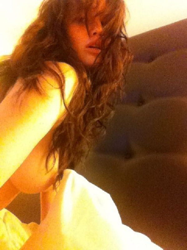 Хакеры опубликовали фото и видео Дженнифер Лоуренс во время развратной вечеринки