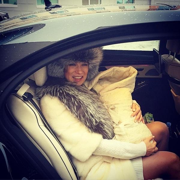 Олеся Судзиловская не постеснялась показаться в откровенном наряде