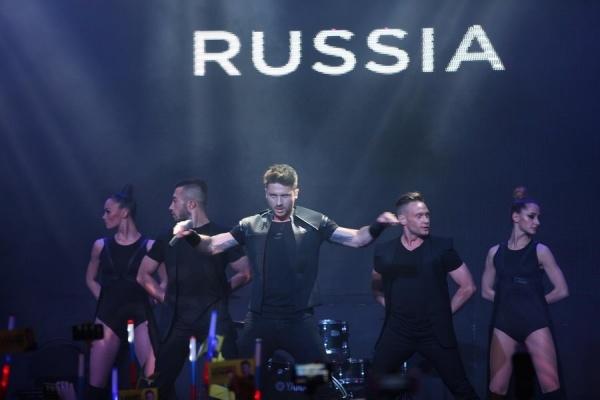 Политические скандалы и подготовка к Евровидению довели Сергея Лазарева до обморока на концерте (видео)