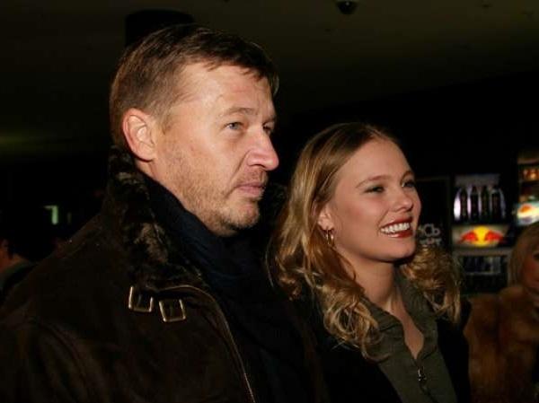 У актера и режиссера Олега Фомина и его молодой жены родился сын